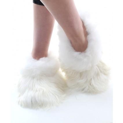 Suri_white_slipper