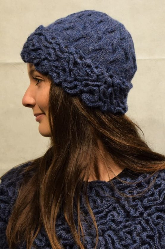 Navy coral hat