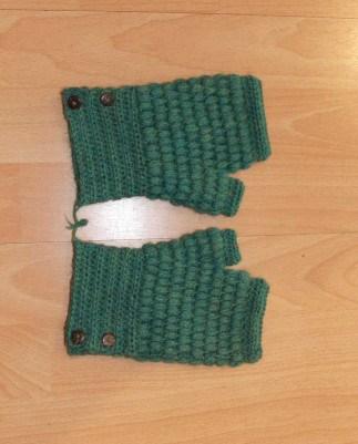 Green button mittens