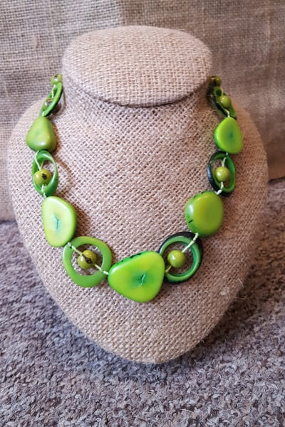 Green saturn necklace
