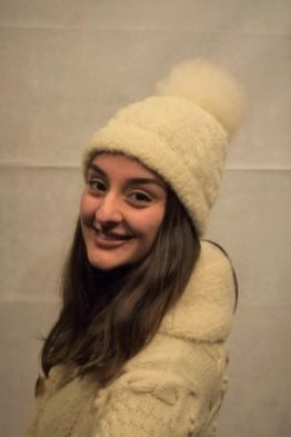 Detachable pompom hat